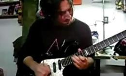 外国电吉他高手弹奏天马座的幻想(圣斗士)