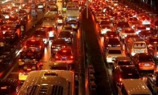 经济学专家指北京拥堵因房价低
