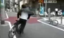 日本猛人自行车漂移